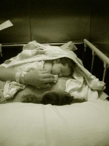 Sophia Alicia en mis brazos por primera vez.